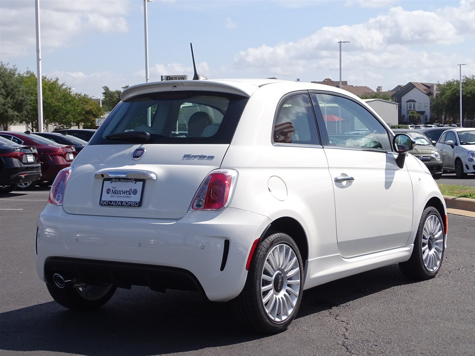 New 2018 FIAT 500 Lounge Hatchback in Austin JT