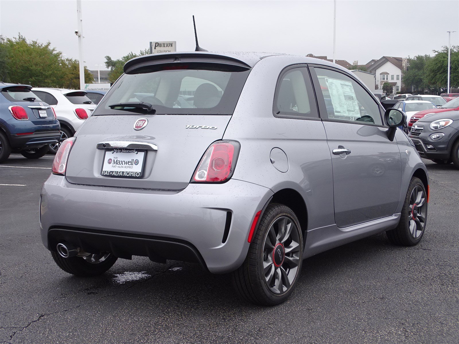 New 2018 FIAT 500 Pop 2D Hatchback in Austin JT